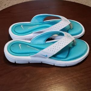 Nike Comfort Thong Sandals sz 6 Womens White Blue